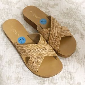 NEW A. Gianetti woven slip on sandals fits small